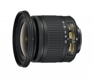 AF-P DX NIKKOR 10-20mm f/4.5-5.6G VRの側面の写真