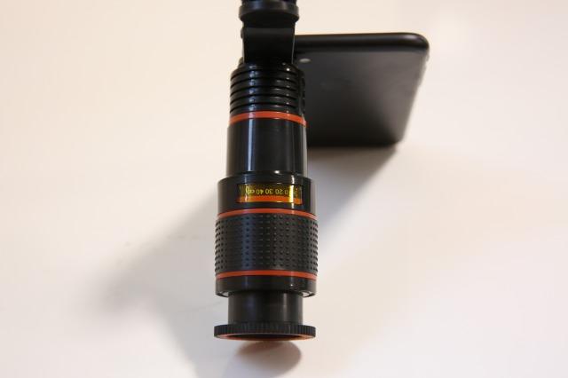 スマホ用望遠レンズ【knguvth製品】の上からの写真