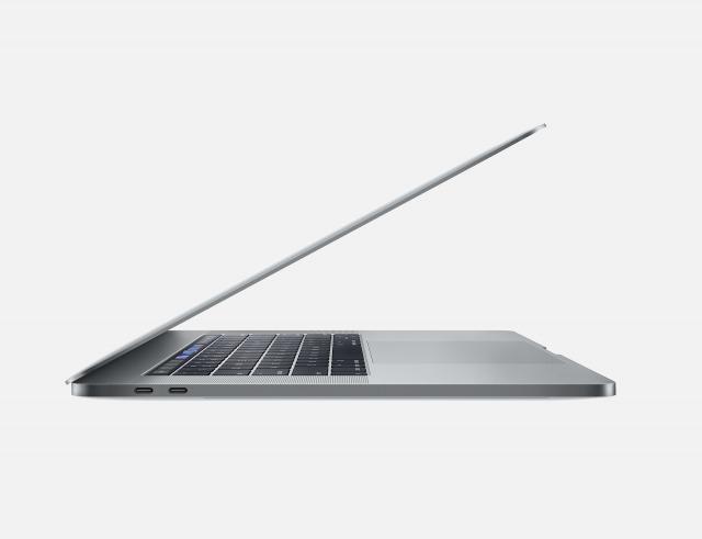MacBookPro 15インチのYouTube編集
